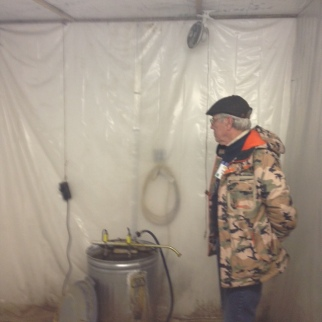 germination chamber heated by hot water container